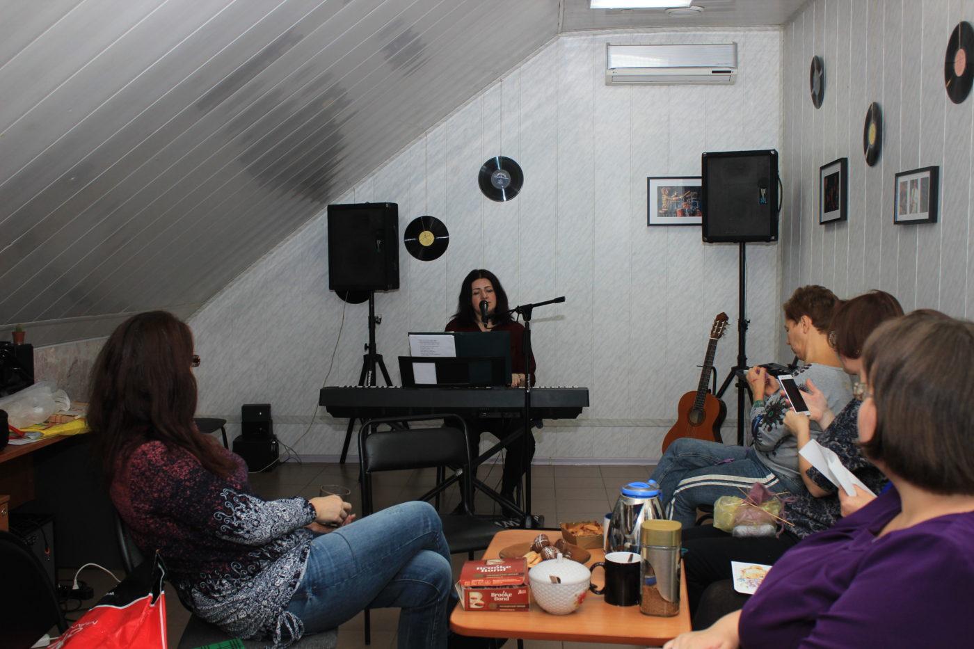 Рукоделие и песни